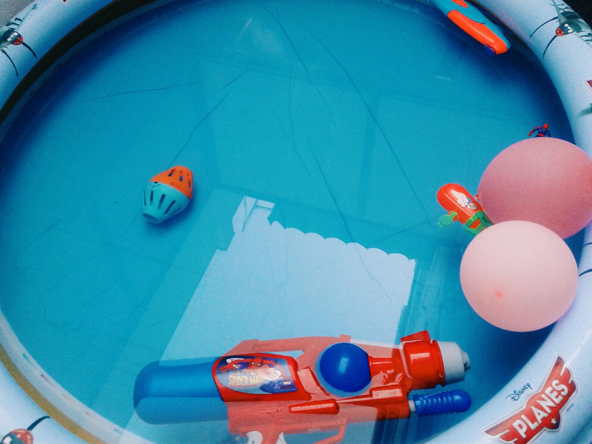 pool party mini