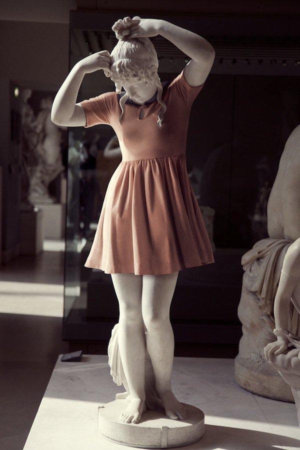 hipster-in-stone_léo-caillard arte normcore girl