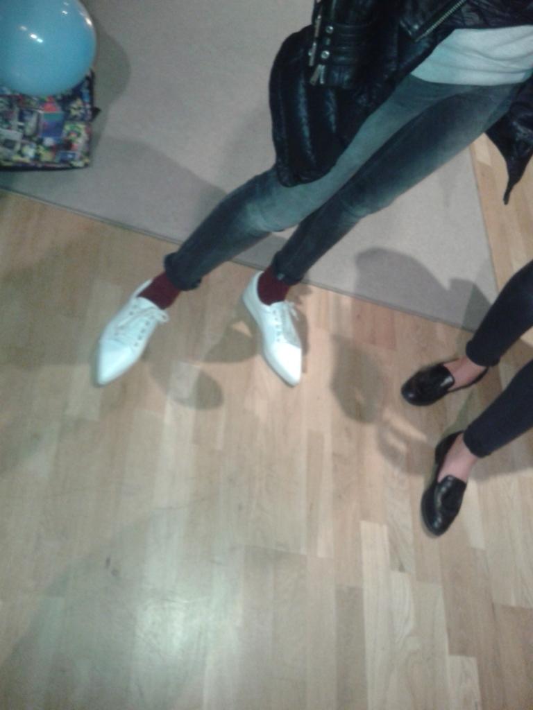 zapatos originales blancos en punta