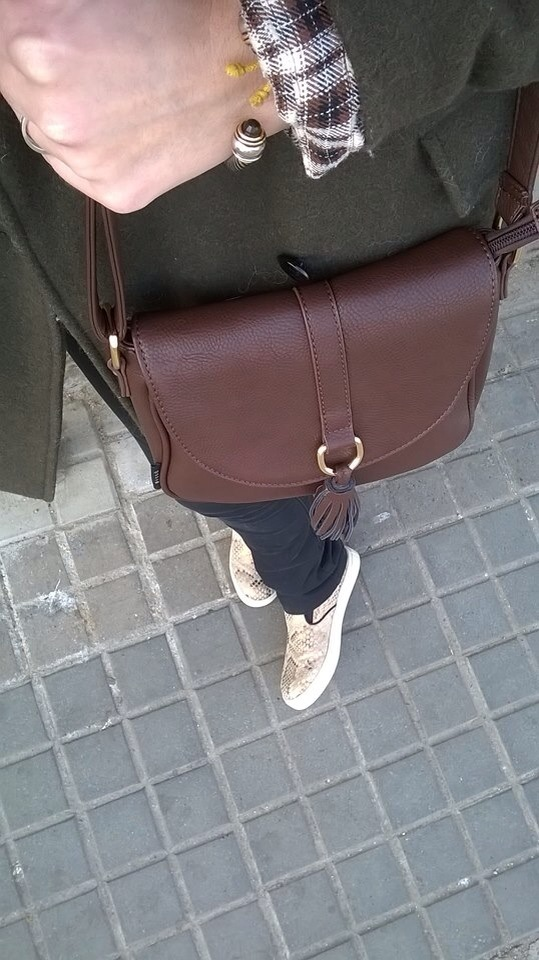henrry lloyd´s comfy cozy style normcore girl bissu bags
