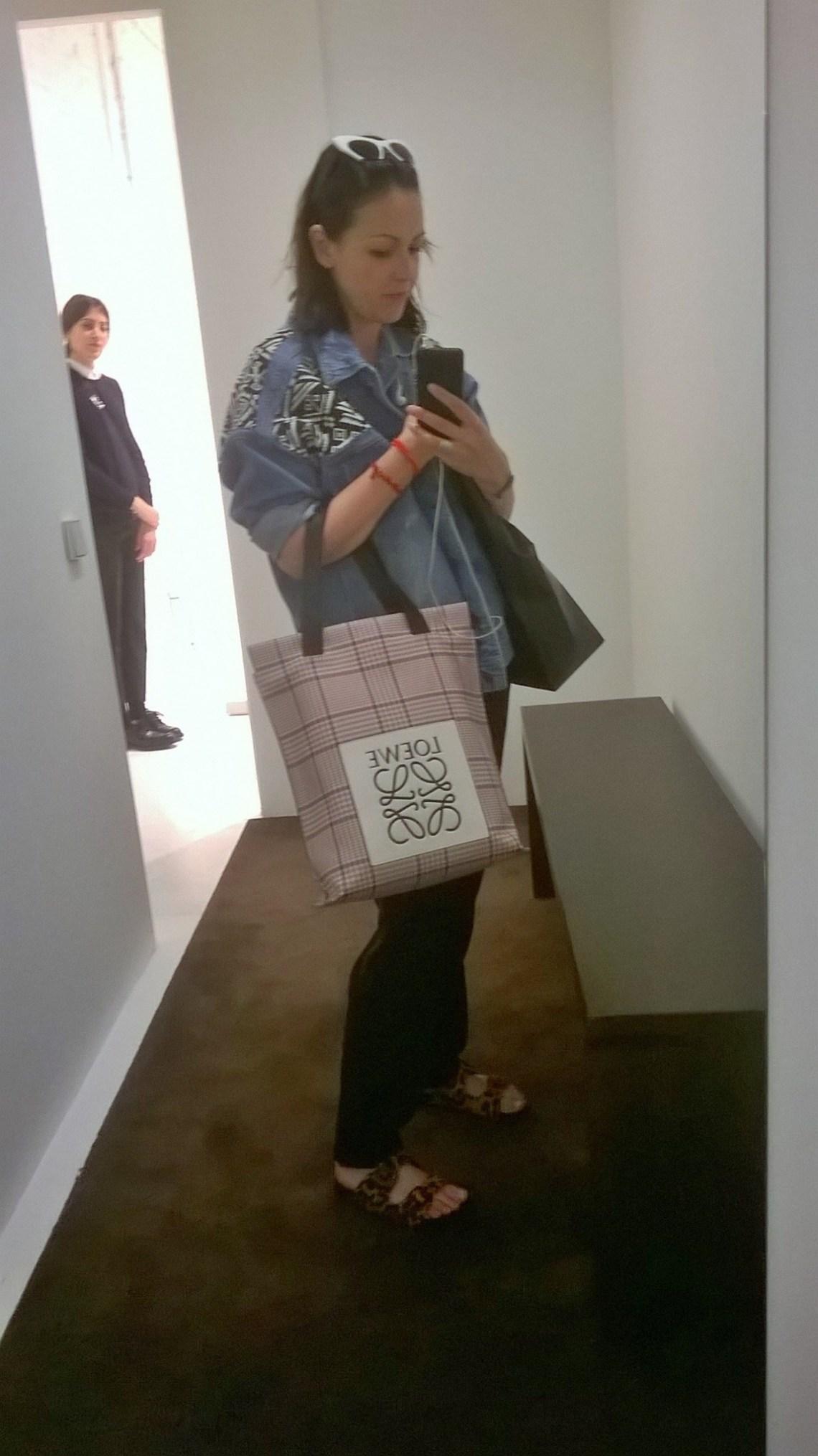 loewe  galeria loewe coleccion ss15 normcore girl lujo comodo comfy