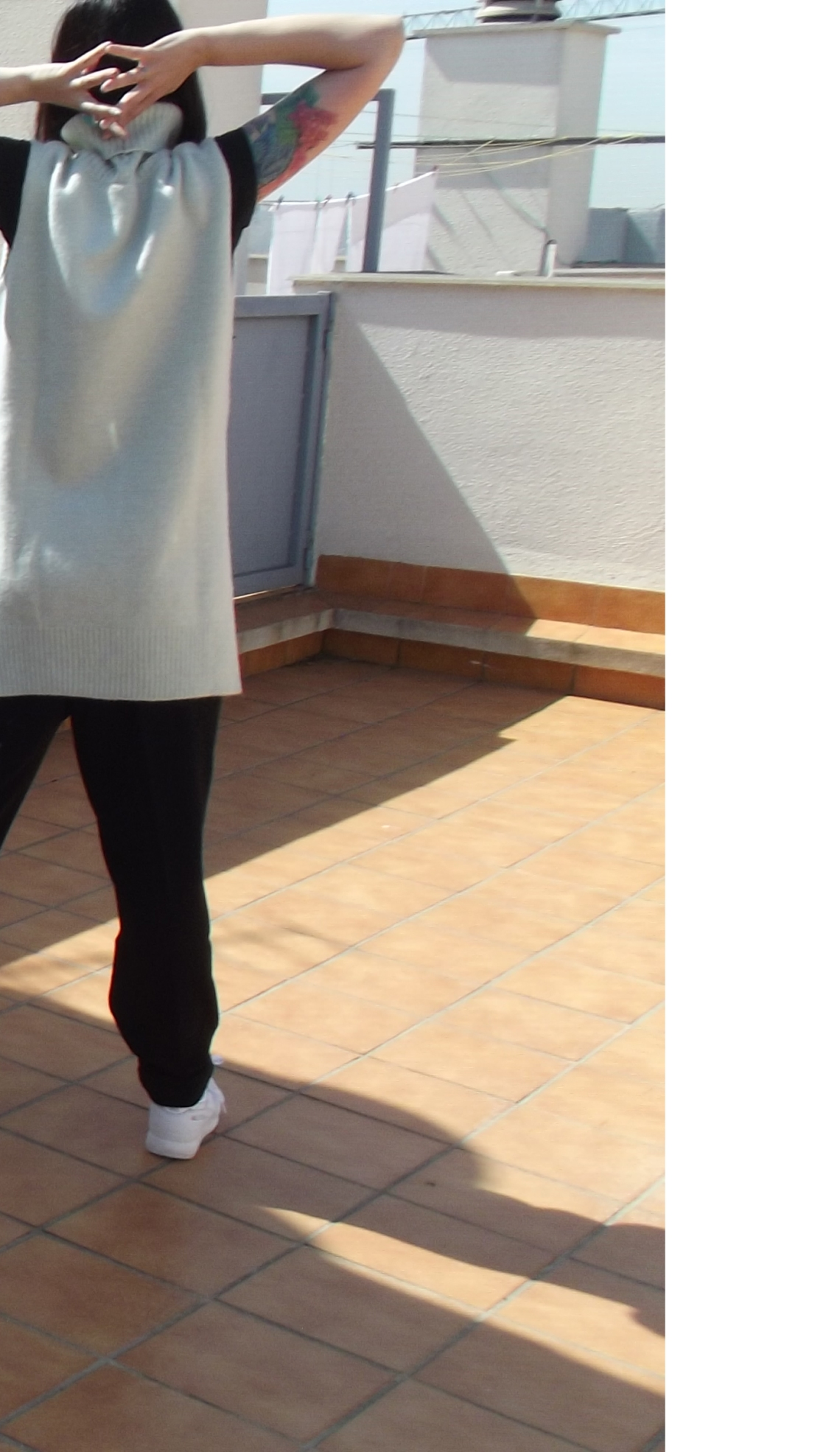 comfy look jersey cuello alto baggy pants normcore girl style