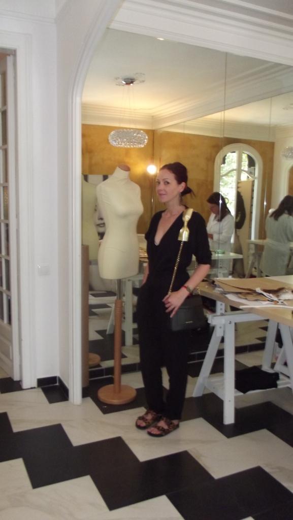 agnes sunyer moon normcore girl inlfuencer blogger atelier