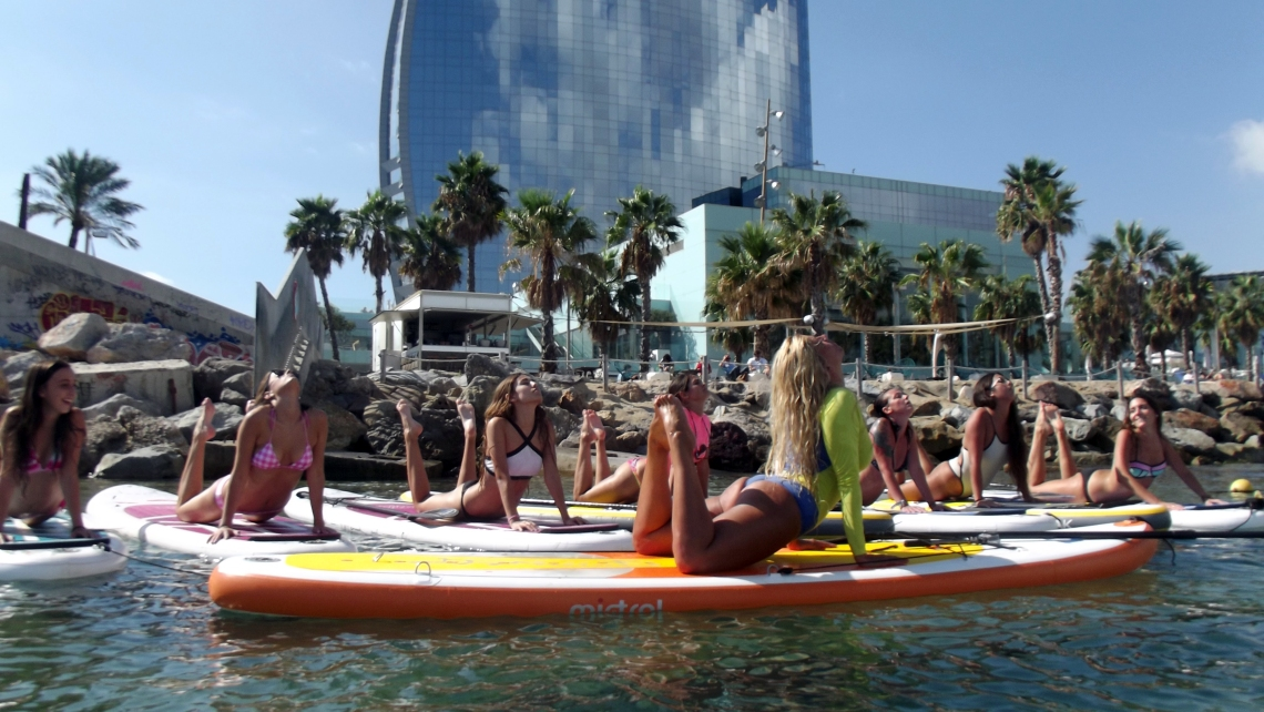 bloggers agency normcore girl sup pilates fit and fabulous whotel influencer