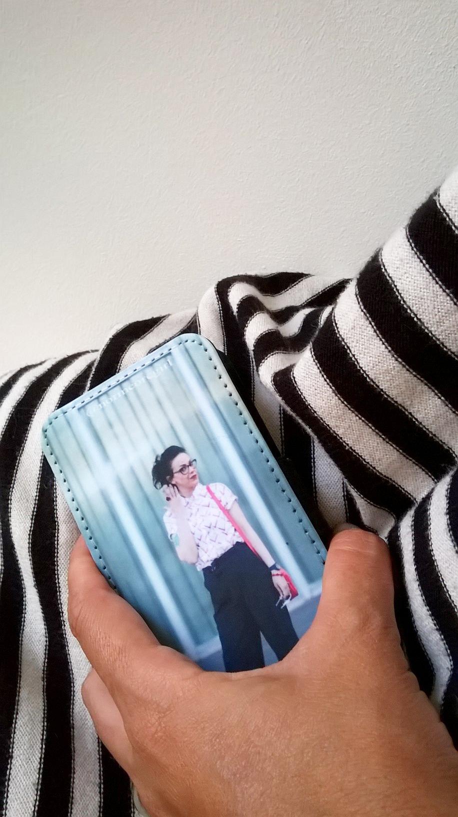 iphone cover gocustomized normcoregirl influencer spanish blogger