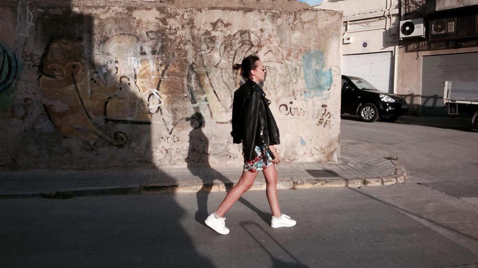 mini vestido elie saab normcore girl influencer lady rock
