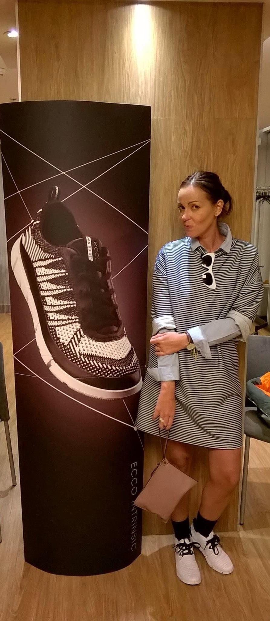 ecco shoes intrinsic barcelona influencer blogger normcoregirl