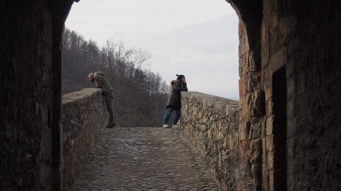 girona normcore gitl travel blogger it couple olympus digital camera