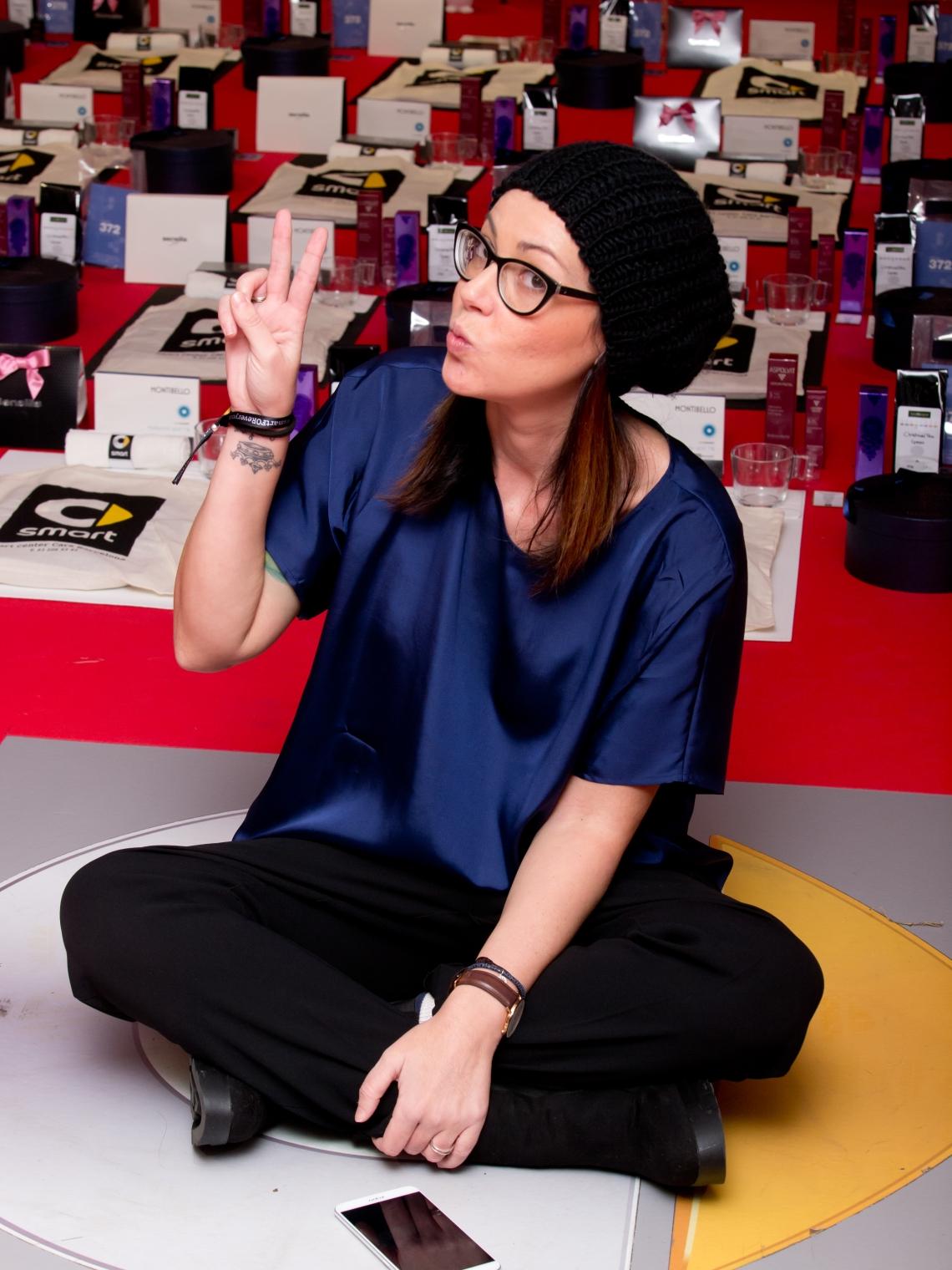smart center barcelona normcore girl influencer #smartforbeauty