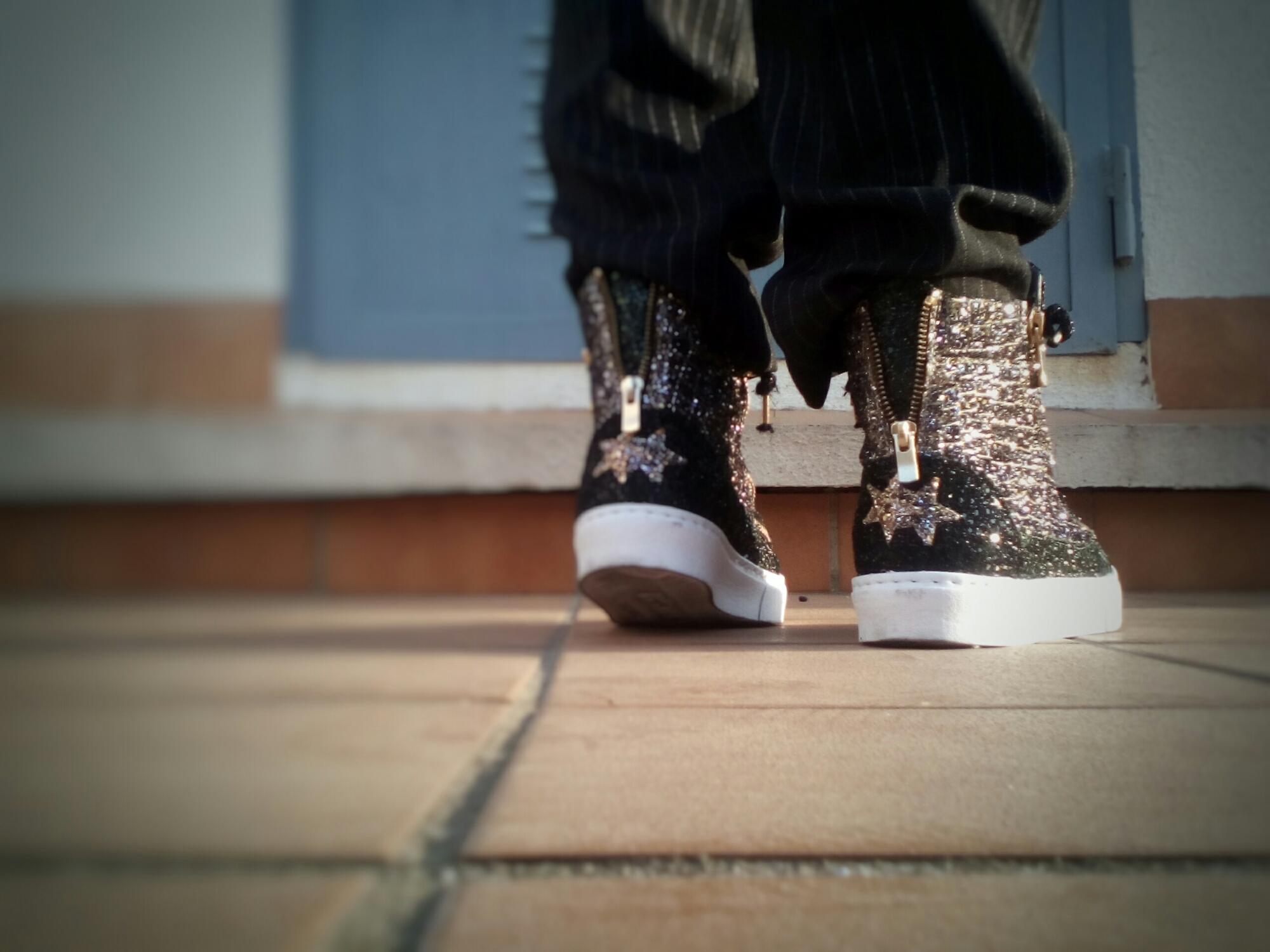 2 stars gold normcore influencer spanish blogger