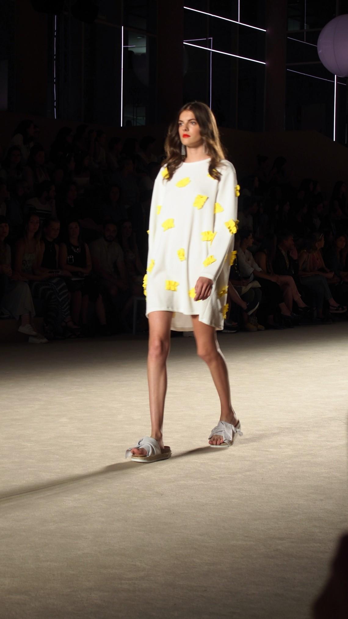 fashion blogger barcelona front row