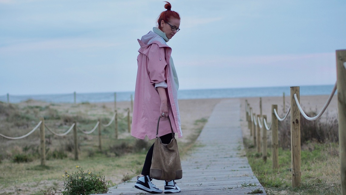 chubasquero rosa asos fashion blogger barcelona