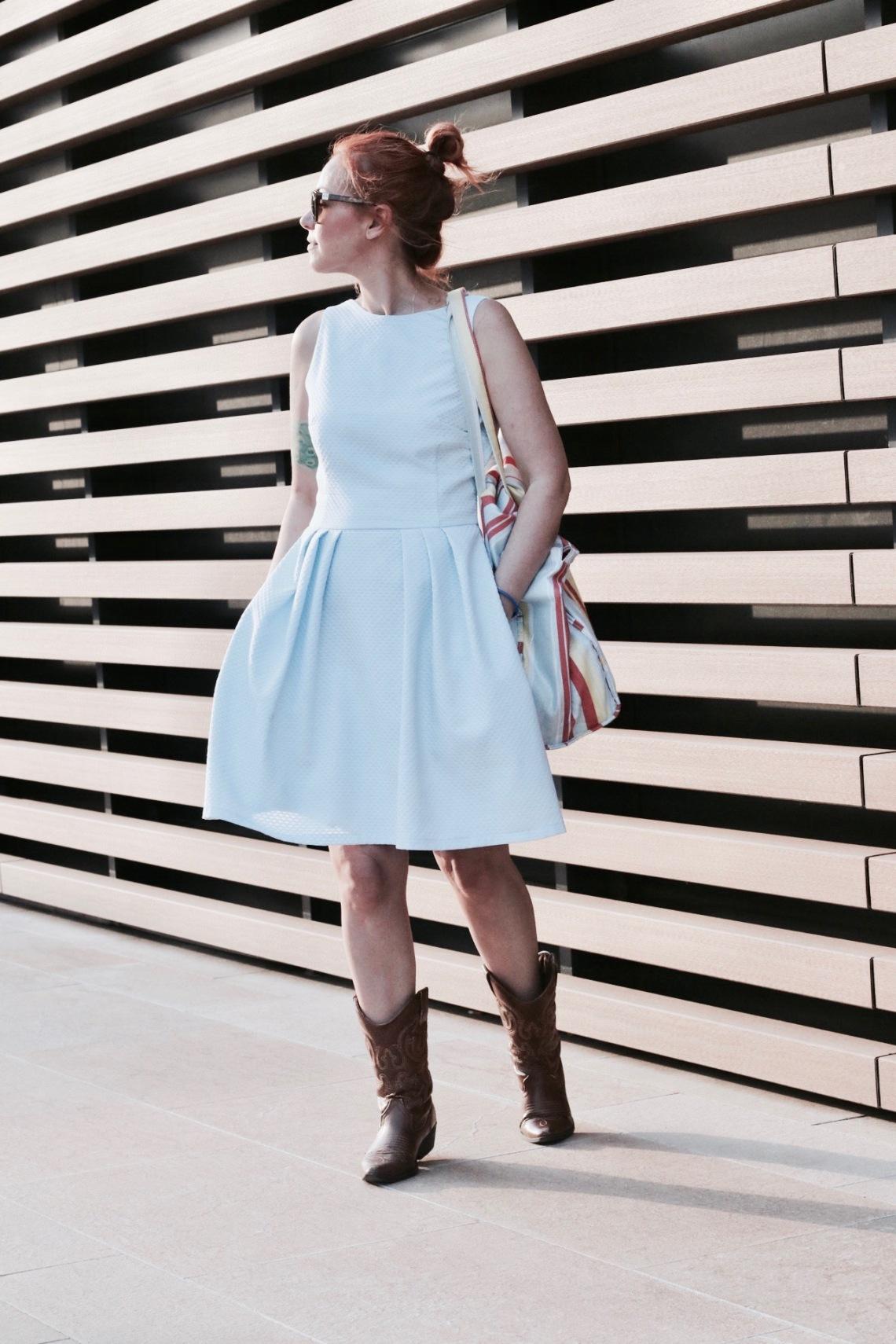 vestido de piqué azul celeste